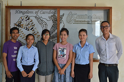 Cambodian Entomology Initiatives lab team